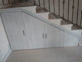 9 Puertas de escalera
